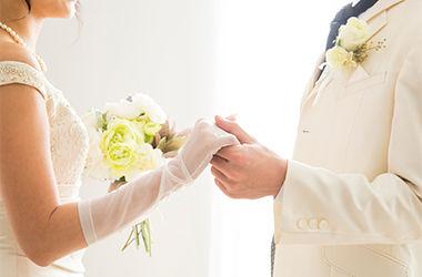 画像:ギフトシーン「結婚」